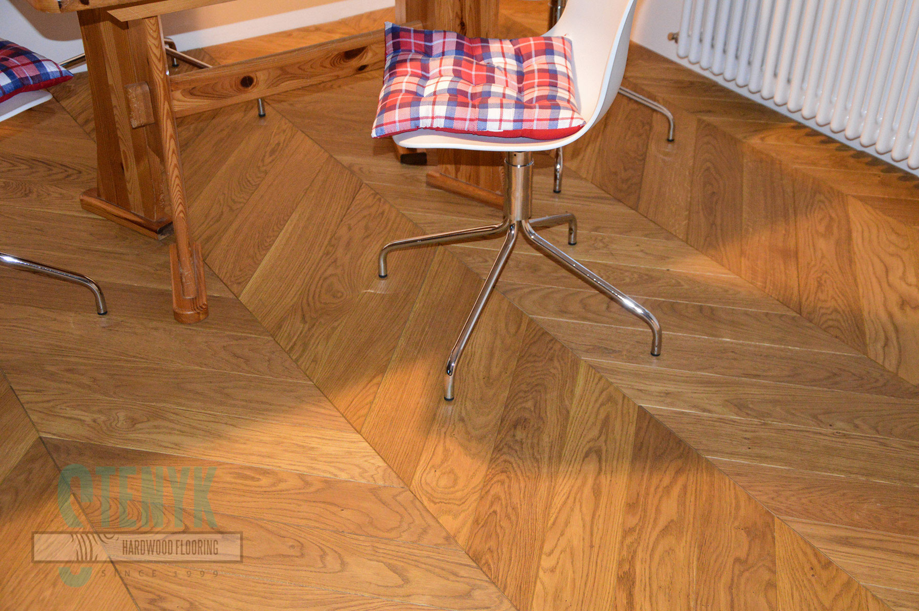 120mm Chevron flooring, Select grade, Pure color in the apartment