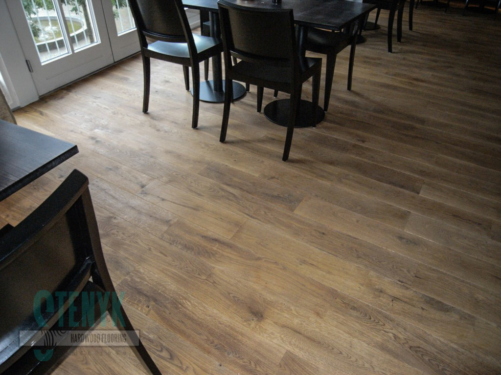 180mm Rustic in the Restaurant